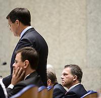 Nederland. Den Haag, 18 september 2008.<br /> Algemene beschouwingen in de tweede kamer.<br /> Wouter Bos luister naar Balkenende in vak K.<br /> Foto Martijn Beekman<br /> NIET VOOR PUBLIKATIE IN LANDELIJKE DAGBLADEN.