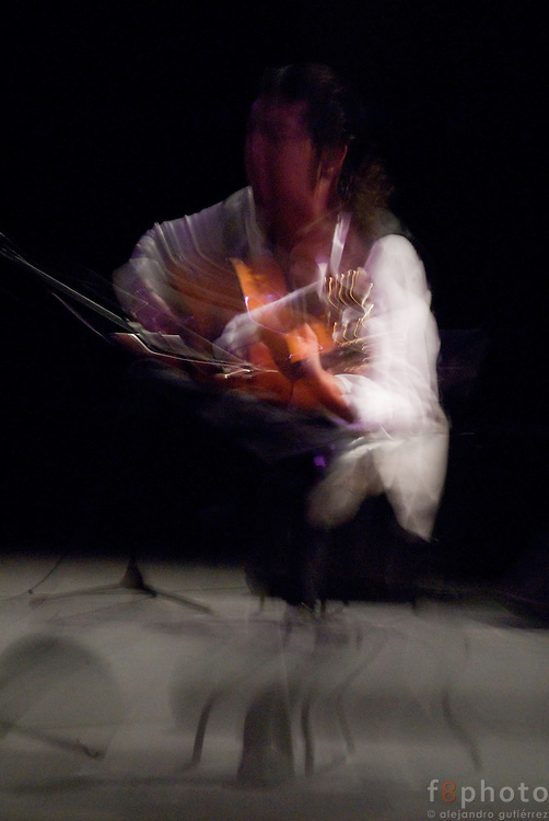 "The Guitarrist Antonio Rey during the guitar concert ""De amor y de cuerdas"" in the Second International Dance Festival Ibérica Contemporánea, Querétaro, México,2009."