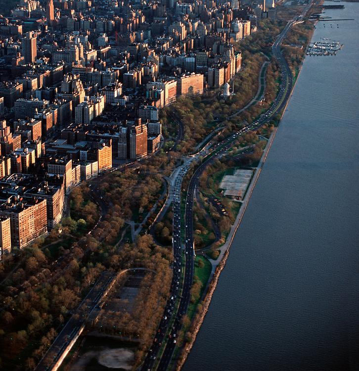 Parking In New York City Upper West Side: Riverside Park, Upper West Side, Aerial, Manhattan, New