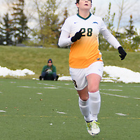 2nd year forward Sydney Langen (28) of the Regina Cougars in action during the Women's Soccer home game on October 7 at U of R Field. Credit: Arthur Ward/Arthur Images