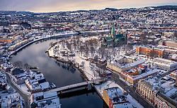 THEMENBILD - der Nidarosdom umringt von den Häusern der Stadt, aufgenommen am 14. Maerz 2019 in Trondheim, Norwegen // the Nidaros Cathedral surrounded by the houses of the city, Trondheim, Norway on 2018/03/14. EXPA Pictures © 2019, PhotoCredit: EXPA/ JFK