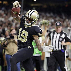 Jan 7, 2018; New Orleans, LA, USA; New Orleans Saints wide receiver Ted Ginn (19) runs in to the end zone after catching a pass for touchdown against the Carolina Panthers during the first quarter in the NFC Wild Card playoff football game at Mercedes-Benz Superdome. Mandatory Credit: Derick E. Hingle-USA TODAY Sports
