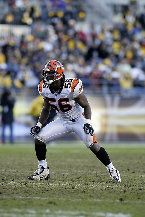 Linebacker Brian Simmons of the Cincinnati Bengals reacts to the play during their 24-20 victory over the Pittsburgh Steelers on 11/30/2003. ©JC Ridley/NFL Photos.