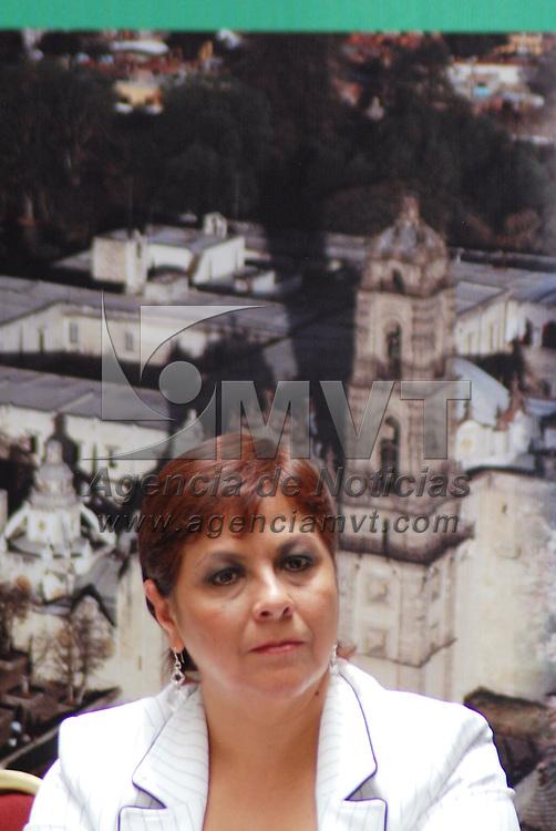 Toluca, Méx.- Alejandrina Becerril Monrroy encargada del despacho de la secretaria de turismo durante la instalación del Consejo Estatal par Reactivación del Turismo que presido el gobernador Enrique Peña Nieto. Agencia MVT / José Hernández. (DIGITAL)