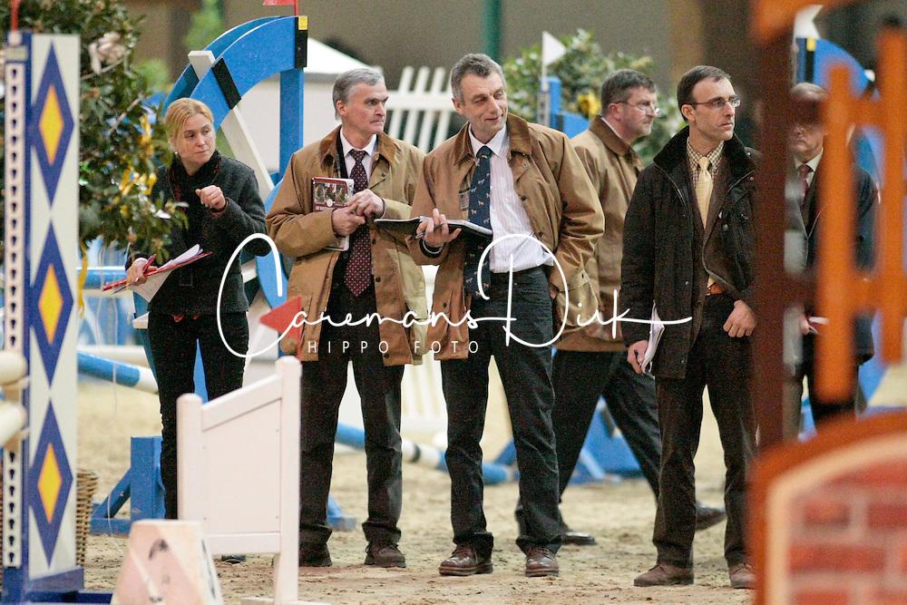 Jury : De Smet Stefaan, Schepers Boudewijn,  Floren Laurent, Meurrens Inge<br /> 3de Phase Hengstgenkeuring BWP 2010<br /> De Warre - Neeroeteren <br /> © Dirk Caremans