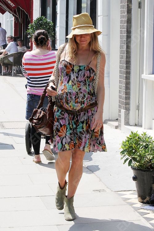 24.MAY.2012. LONDON<br /> <br /> SIENNA MILLER OUT IN PRIMROSE HILL<br /> <br /> BYLINE: EDBIMAGEARCHIVE.CO.UK<br /> <br /> *THIS IMAGE IS STRICTLY FOR UK NEWSPAPERS AND MAGAZINES ONLY*<br /> *FOR WORLD WIDE SALES AND WEB USE PLEASE CONTACT EDBIMAGEARCHIVE - 0208 954 5968*