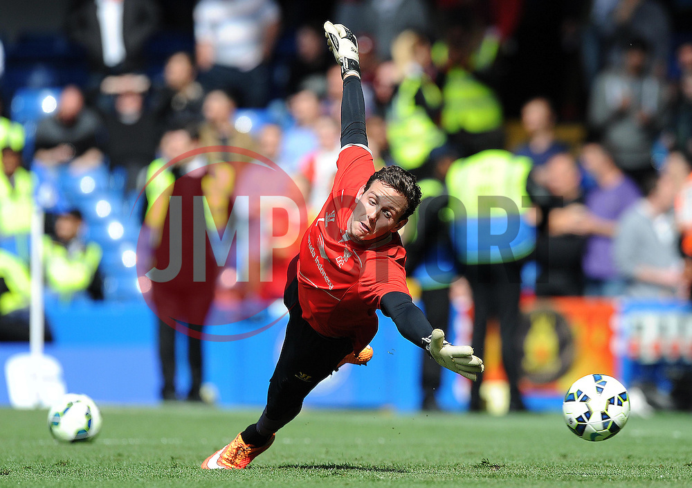 Liverpool's Brad Jones warms up prior to kick off. - Photo mandatory by-line: Alex James/JMP - Mobile: 07966 386802 - 10/05/2015 - SPORT - Football - London - Stamford Bridge - Chelsea v Liverpool - Barclays Premier League