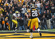 November 05, 2011: Michigan Wolverines running back Fitzgerald Toussaint (28) pulls in a 5 yard touchdown pass during the first quarter of the NCAA football game between the Michigan Wolverines and the Iowa Hawkeyes at Kinnick Stadium in Iowa City, Iowa on Saturday, November 5, 2011. Iowa defeated Michigan 24-16.