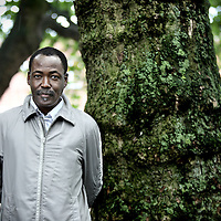 Nederland, Amsterdam , 13 augustus 2010.Mahamat-Saleh Haroun, filmregisseur uit Tsjaad die sinds 1982 in Frankrijk leeft..Mahamat-Saleh Haroun from Chad filmmaker and director who lives in France since 1982.