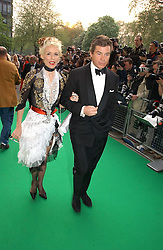 DAPHNE GUINNESS and HUGO DE FERRANTI  at the NSPCC's Dream Auction held at The Royal Albert Hall, London on 9th May 2006.<br /><br />NON EXCLUSIVE - WORLD RIGHTS
