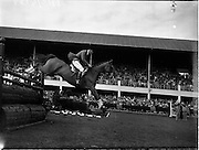 05/08/1960<br /> 05/08/1960<br /> 05 August 1960<br /> R.D.S Horse Show Dublin (Friday). Aga Khan Trophy. David Broome of Great Britain clearing the last jump in the Aga Khan Trophy on &quot;Sunsalve&quot; at the Dublin Horse Show.