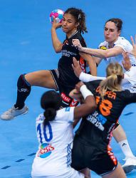 14-12-2018 FRA: Women European Handball Championships France - Netherlands, Paris<br /> Second semi final France - Netherlands / Delaila Amega #14 of Netherlands lost the ball in defense of Beatrice Edwige #24 of France, Grace Zaadi #10 of France