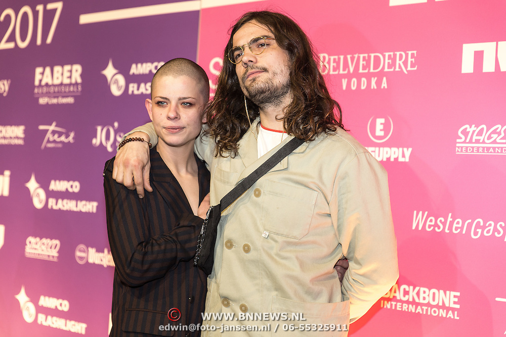 NLD/Amsterdam/201702013- Edison Pop Awards 2017, Tim van Delft en partner Sharon Kovacs