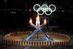 12-02-2010 ALGEMEEN: OLYMPISCHE SPELEN: OPENINGSCEREMONIE: VANCOUVER<br /> In het BC Place Stadium werd de openingsceremonie van de Olympische Winsterspelen Vancouver gehouden / De Olympische vlam<br /> ©2010-WWW.FOTOHOOGENDOORN.NL