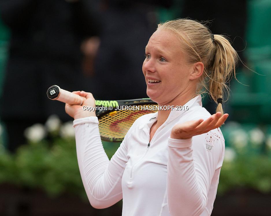 Kiki Bertens (NED) liegt auf dem Boden und jubelt nach ihrem Sieg,Jubel,Freude,Emotion,<br /> <br /> Tennis - French Open 2016 - Grand Slam ITF / ATP / WTA -  Roland Garros - Paris -  - France  - 2 June 2016.