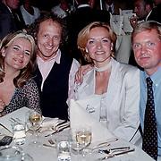 Laatste World Fantasy Dinershow, Saskia van Zutphen haar man Dick Scheepbouwer, Marisca van Kolck en haar man Knut Jacobsen
