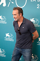 Venice, Italy, 30th August 2019, Jean Dujardin at the photocall for the film J'Accuse (An Officer And A Spy) at the 76th Venice Film Festival, Sala Grande. Credit: Doreen Kennedy/Alamy Live News