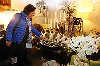 Mannheim. 04.11.17 | Lange Nacht der Kunst und Genüsse<br /> Lange Nacht der Kunst und Genüsse in den Stadtteilen.<br /> - Feudenheim. Eröffnung bei Wohnkult & Genuss<br /> <br /> BILD- ID 20936 |<br /> Bild: Markus Prosswitz 04NOV17 / masterpress (Bild ist honorarpflichtig - No Model Release!)