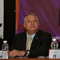 Toluca, México.- Agustín Albarrán, líder de COPARMEX, durante la conferencia de prensa para dar a conocer el programa del Festival del Centro Histórico del 14 al 19 de marzo, con actividades musicales, teatro, danza, entre otras. Agencia MVT / Crisanta Espinosa