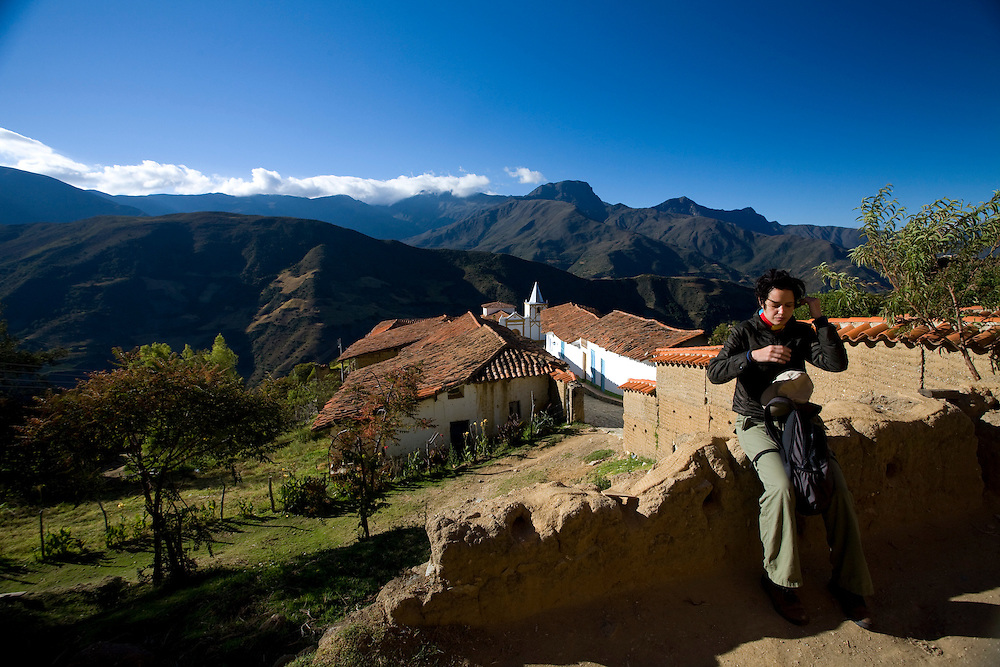Merida_VEN, Venezuela...Regiao montanhosa em Merida, Venezuela.Na foto uma turista...Mountainous region of Merida, Venezuela. In the photo a tourist...Foto: JOAO MARCOS ROSA / NITRO