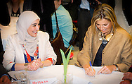 15-1-2015 UTRECHT - Queen Máxima is Thursday, January 15th in Utrecht attended the fourth language does more College. During this meeting the Queen launches the 'Power Finder', an online portal where employers and job seekers with a language delay can find each other easily. COPYRIGHT ROBIN UTRECHT