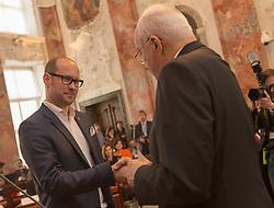 28.03.2018, Altes Landhaus, Innsbruck, AUT, konstituierende Sitzung, Tiroler Landtag, im Bild v.l.: Mario Gerber (ÖVP) und der scheidende Landtagspräsident Herwig van Staa (ÖVP) // during the inaugural session of the Tyrolean state parliament at the Altes Landhaus in Innsbruck, Austria on 2018/03/28. EXPA Pictures © 2018, PhotoCredit: EXPA/ Jakob Gruber