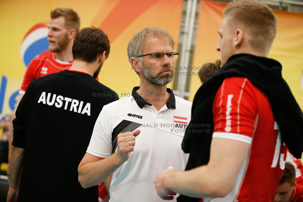 20170524 NED: 2018 FIVB Volleyball World Championship qualification, Koog aan de Zaan<br />Michael Warm, headcoach of Austria <br />©2017-FotoHoogendoorn.nl / Pim Waslander