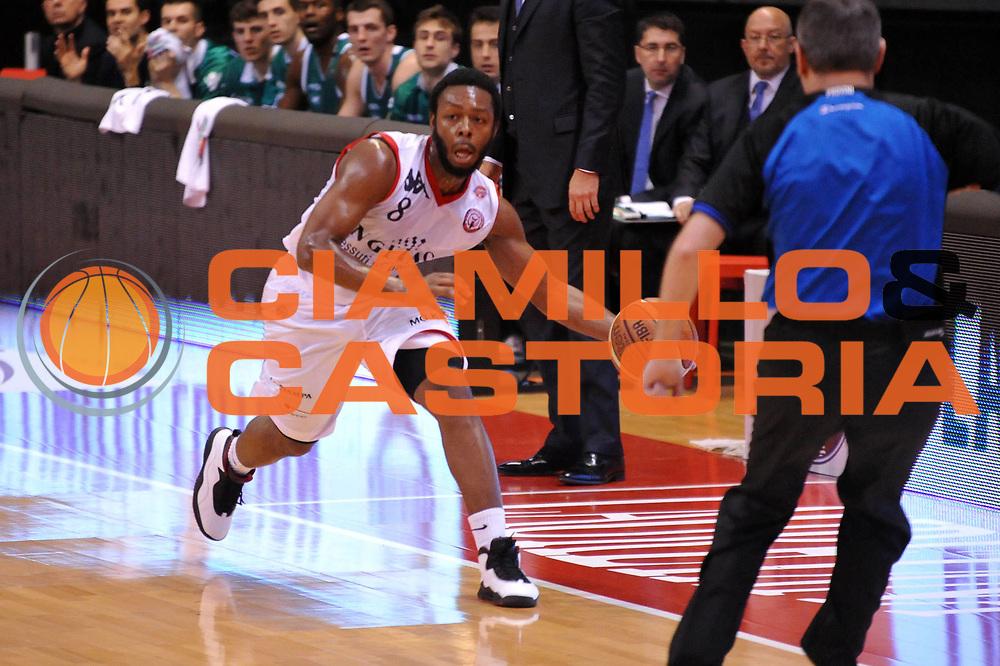 DESCRIZIONE : Biella Lega A 2011-12 Angelico Biella Benetton Treviso<br /> GIOCATORE : Jacob Pullen<br /> CATEGORIA : Palleggio<br /> SQUADRA : Angelico Biella<br /> EVENTO : Campionato Lega A 2011-2012<br /> GARA : Angelico Biella Benetton Treviso<br /> DATA : 18/03/2012<br /> SPORT : Pallacanestro<br /> AUTORE : Agenzia Ciamillo-Castoria/S.Ceretti<br /> Galleria : Lega Basket A 2011-2012<br /> Fotonotizia : Biella Lega A 2011-12 Angelico Biella Benetton Treviso<br /> Predefinita :