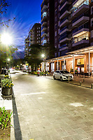 Rua no Passeio Pedra Branca ao anoitcer. Palhoça, Santa Catarina, Brasil. / Street in Passeio Pedra Branca neighborhood at evening. Palhoca, Santa Catarina, Brazil.