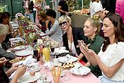Libelle Smaakmaker Awards. De Libelle Specials Tuin & Zo, Lekker, Gezond en Living zijn dit jaar succesvol gerestyled en zullen voortaan vaker verschijnen. Om dat succes te vieren, hebben we de Libelle Smaakmaker Awards in het leven geroepen<br /> <br /> Op de foto:  Rens Kroes en Monique des Bouvrie