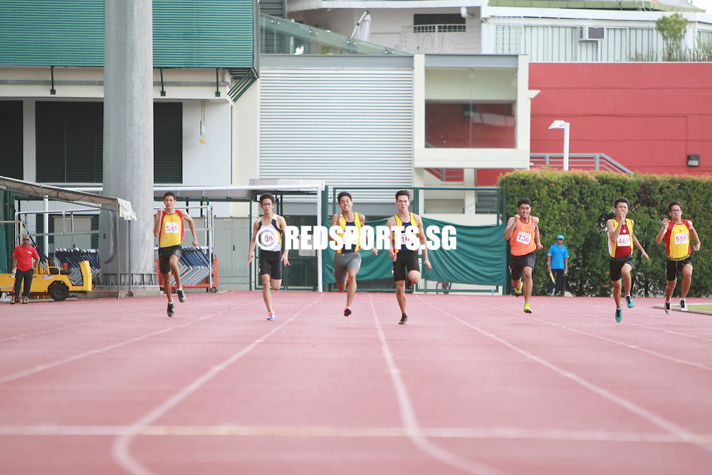 Bishan Stadium, Monday, April 25, 2016 &mdash; Joshua Lim of Anglo-Chinese School (Independent) clocked 22.35 seconds to claim the B Division Boys' 200 metres gold at the 57th National Schools Track and Field Championships.<br /> <br /> David Tameeris (22.80s) made it a one-two finish for ACS(I), while Ho Jun De of Victoria School finished third in 23.09s.
