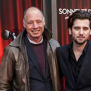 NLD/Amsterdam/20150208 - Herpremiere Sonneveld, Ruud Feltkamp en zijn vader