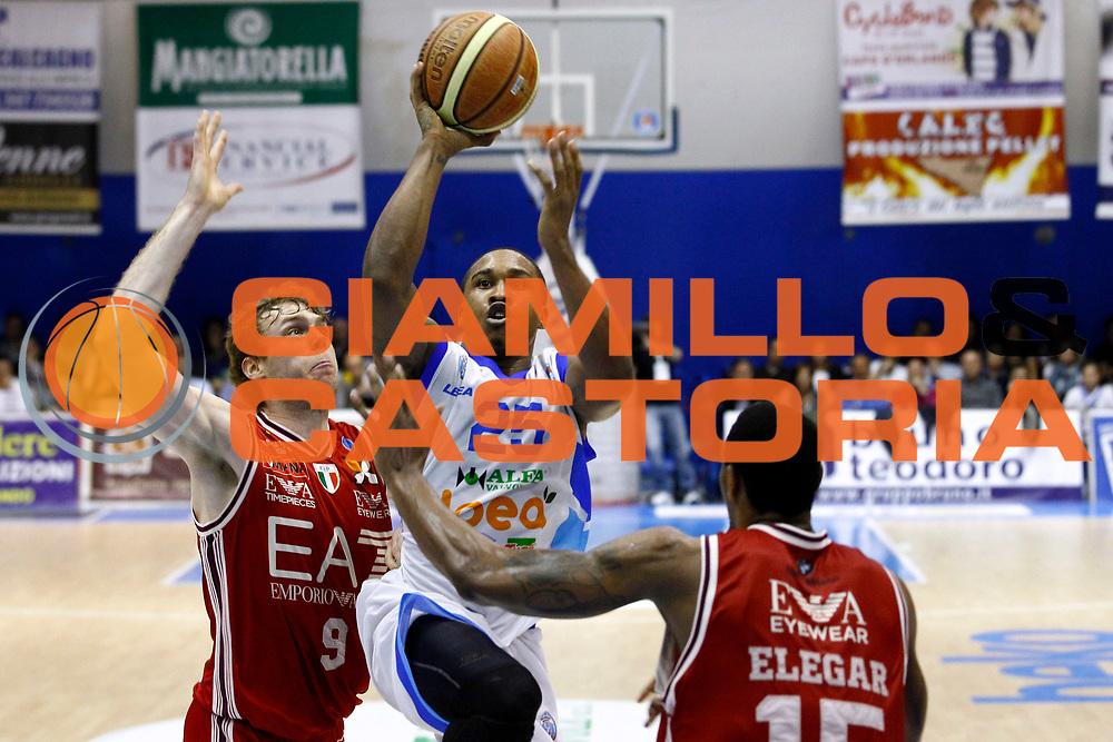 DESCRIZIONE : Capo dOrlando Lega A 2014-15 Orlandina Basket Olimpia Emporio Armani EA7 Milano<br /> GIOCATORE : Tyrus Mcgee<br /> CATEGORIA : Penetrazione Tiro Ritratto<br /> SQUADRA : Orlandina Basket EA7 Emporio Armani Olimpia Milano<br /> EVENTO : Campionato Lega A 2014-2015 <br /> GARA : Orlandina Basket EA7 Emporio Armani Olimpia Milano<br /> DATA : 19/04/2015<br /> SPORT : Pallacanestro <br /> AUTORE : Agenzia Ciamillo-Castoria/G.Pappalardo<br /> Galleria : Lega Basket A 2014-2015<br /> Fotonotizia : Capo dOrlando Lega A 2014-15 Orlandina Basket EA7 Emporio Armani Olimpia Milano