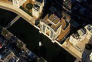 France, Languedoc Roussillon, Hérault, Montpellier, quartier Antigone, le Lez, l'hôtel de Région, vue aérienne