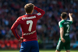02.04.2016, Estadio San Mames, Bilbao, ESP, Primera Division, Athletic Club vs Real Betis, 31. Runde, im Bild Atletico de Madrid's Antoine Griezmann // during the Spanish Primera Division 31th round match between Athletic Club and Real Betis at the Estadio San Mames in Bilbao, Spain on 2016/04/02. EXPA Pictures © 2016, PhotoCredit: EXPA/ Alterphotos/ Borja B.Hojas<br /> <br /> *****ATTENTION - OUT of ESP, SUI*****