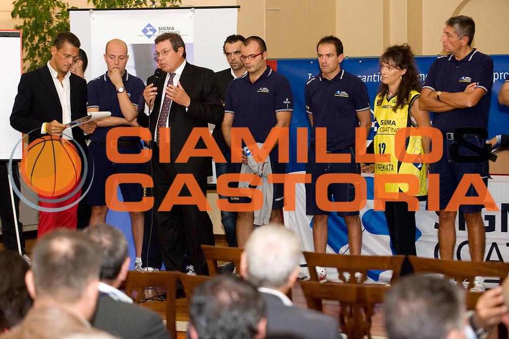 DESCRIZIONE : Varallo Sesia Lega A 2009-10 Presentazione Main Sponsor Sigma Coatings Montegranaro<br /> GIOCATORE : Gianni Filippa team Montegranaro<br /> SQUADRA : Sigma Coatings Montegranaro<br /> EVENTO : Campionato Lega A 2009-2010<br /> GARA :<br /> DATA : 23/09/2009<br /> CATEGORIA : ritratto<br /> SPORT : Pallacanestro<br /> AUTORE : Agenzia Ciamillo-Castoria/A.Dealberto<br /> Galleria : Lega Basket A 2009-2010<br /> Fotonotizia : Varallo Sesia Lega A 2009-10 Presentazione Main Sponsor Sigma Coatings Montegranaro<br /> Predefinita :