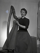 Deirdre Ni Fhloinn, Harpist, Gall Linn 6-3-1959 singer