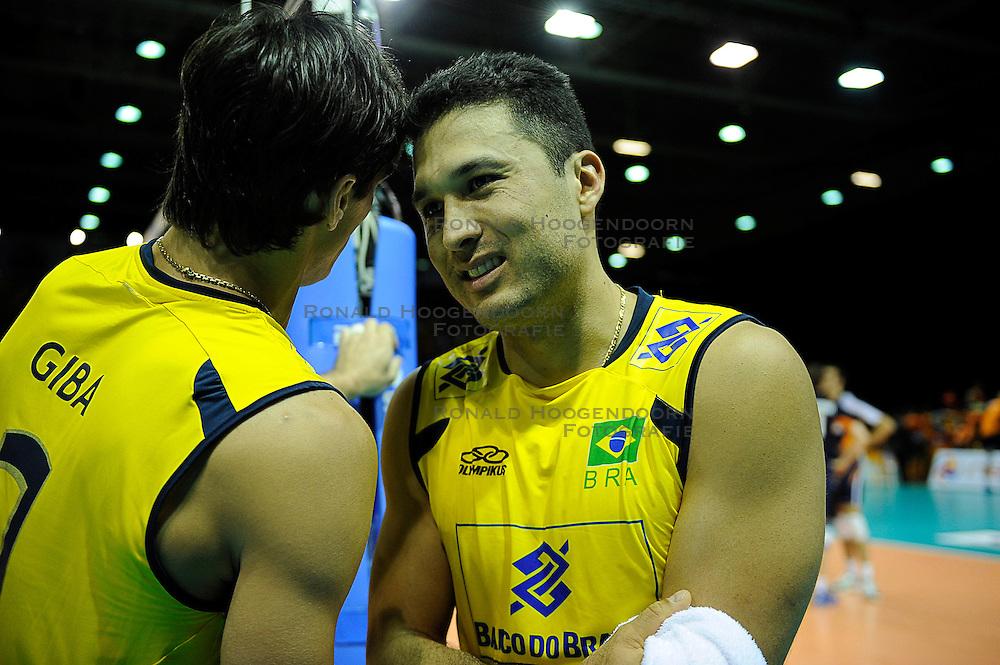 26-06-2010 VOLLEYBAL: WLV NEDERLAND - BRAZILIE: ROTTERDAM<br /> Nederland verliest met 3-1 van Brazilie / Giba en Marlon<br /> &copy;2010-WWW.FOTOHOOGENDOORN.NL