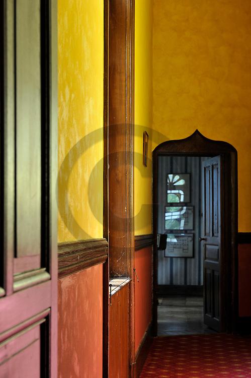 10/05/11 - SAINT PRIEST BRAMEFANT - PUY DE DOME - FRANCE - Chateau de Maulmont, hotel 3 etoiles. Castle of Maulmont in France, french quality hotel - Photo Jerome CHABANNE