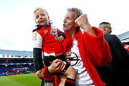 24-04-2016 VOETBAL: KNVB BEKERFINALE FEYENOORD-FC UTRECHT: ROTTERDAM <br /> <br /> Dirk Kuyt van Feyenoord met zijn zoon<br /> <br /> foto: Geert van Erven
