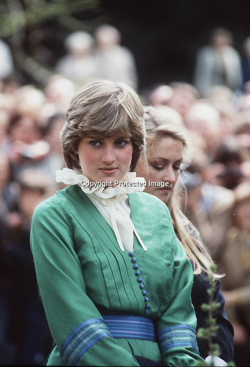 ROMSEY - MAY 09: Lady Diana Spencer visits Broadlands, home of Lord and Lady Romsey, shortly before her marriage to The Prince of Wales on May 09, 1981 in Romsey, England.. (Photo by Anwar Hussein/Getty Images) *** Local Caption *** Princess Diana, Princess of Wales;