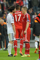29.04.2014, Allianz Arena, Muenchen, GER, UEFA CL, FC Bayern Muenchen vs Real Madrid, Halbfinale, Ruckspiel, im Bild vl. Xabi Alonso (Real Madrid) beim Schlussgespraech mit Bastian Schweinsteiger (FC Bayern Muenchen) // during the UEFA Champions League Round of 4, 2nd Leg Match between FC Bayern Munich vs Real Madrid at the Allianz Arena in Muenchen, Germany on 2014/04/30. EXPA Pictures &copy; 2014, PhotoCredit: EXPA/ Eibner-Pressefoto/ Stuetzle<br /> <br /> *****ATTENTION - OUT of GER*****