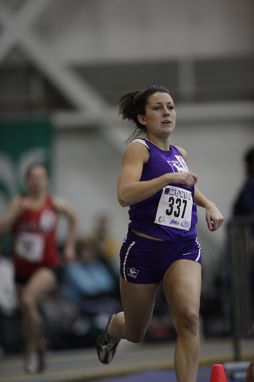 Windsor, Ontario ---12/03/09--- Jen Ricks of  the University of Western Ontario competes in the 600 metre prelims at the CIS track and field championships in Windsor, Ontario, March 12, 2009..GEOFF ROBINS Mundo Sport Images