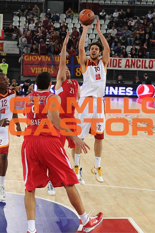 DESCRIZIONE : Roma Eurolega 2010-11 Lottomatica Virtus Roma Olympiacos Pireo Atene<br /> GIOCATORE : Luca Vitali<br /> SQUADRA : Lottomatica Virtus Roma<br /> EVENTO : Eurolega 2010-2011<br /> GARA :  Lottomatica Virtus Roma Olympiacos Pireo Atene<br /> DATA : 17/11/2010<br /> CATEGORIA : tiro<br /> SPORT : Pallacanestro <br /> AUTORE : Agenzia Ciamillo-Castoria/GiulioCiamillo<br /> Galleria : Eurolega 2010-2011<br /> Fotonotizia : Roma Eurolega Euroleague 2010-11 Lottomatica Virtus Roma Olympiacos Pireo Atene<br /> Predefinita :