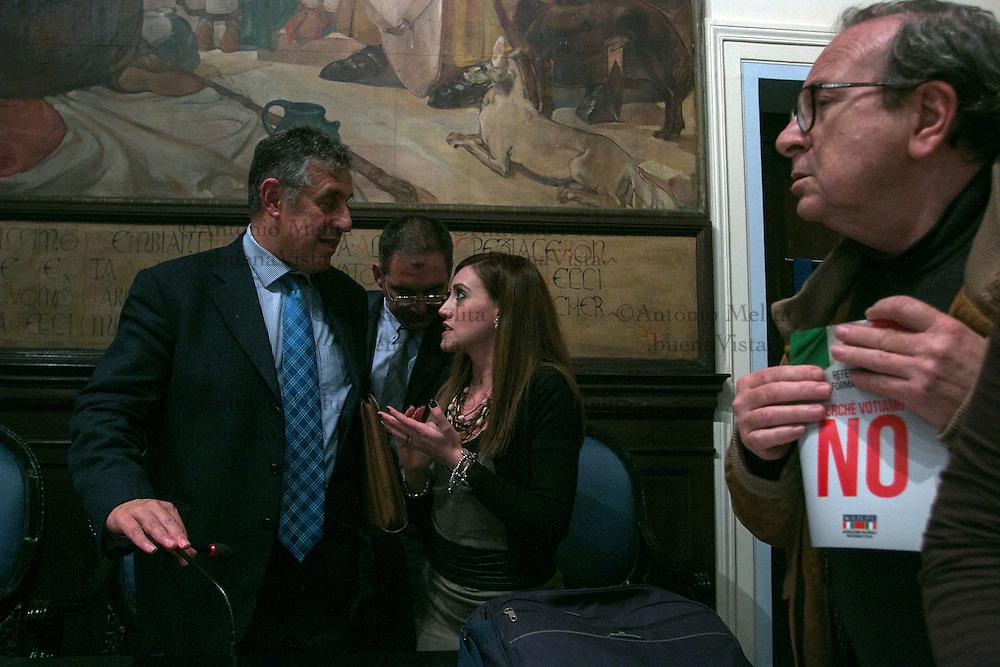 Il PM antimafia Nino Di Matteo al termine del convegno a sostegno del No al prossimo referendum costituzionale.<br /> <br /> Nino Di Matteo, deputy prosecutor of Palermo, during at the debate entitled &quot;our reasons for the no&quot;.