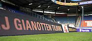 Vanaf het voetbalseizoen 2008-2009 heeft Willem II LED reclameborden in het stadion<br /> Hier het voorbeeld van J. Gianotten<br /> Foto: Geert van Erven