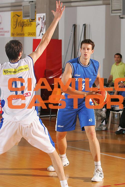 DESCRIZIONE : Grado Precampionato Lega A1 2006-07 Zara TDshop.it Basket Livorno <br /> GIOCATORE : Kickert <br /> SQUADRA : TDshop.it Basket Livorno <br /> EVENTO : Precampionato Lega A1 2006-2007 <br /> GARA : Zara TDshop.it Basket Livorno <br /> DATA : 16/09/2006 <br /> CATEGORIA : Passaggio <br /> SPORT : Pallacanestro <br /> AUTORE : Agenzia Ciamillo-Castoria/S.Silvestri