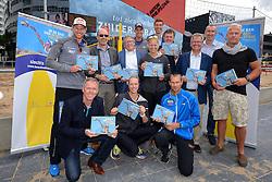 20150618 NED: WK Beach volleybal boek presentatie, Den Haag<br /> Ter gelegenheid van het WK Beachvolleybal in Nederland is vandaag het boek 'In de ban van Beachvolleybal' verschenen. Het bijna 250 pagina's dikke boek gaat over de roots, de ontwikkeling en het succes van beachvolleybal in Nederland / Bas van Goor, toernooidirecteur van het WK Beachvolleybal, reikt de eerste exemplaren uit aan drie hoofdpersonen, die symbool staan voor 25 jaar beachvolleybal in Nederland: Frank van Overeem (pionier), Casper Groenhuijzen (eerste bondscoach) en Richard Schuil (ex-topspeler)