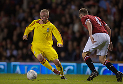 Manchester, England - Thursday, April 26, 2007: Liverpool's Ray Putterill and Manchester United's Kenny Strickland during the FA Youth Cup Final 2nd Leg at Old Trafford. (Pic by David Rawcliffe/Propaganda)