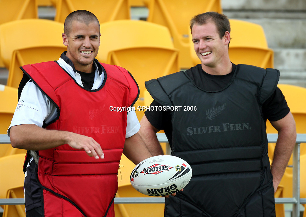 Tony Martin and Grant Rovelli during the Warriors training session held at Ericsson Stadium, Auckland, on Wednesday 8 March, 2006. Photo: Andrew Cornaga/PHOTOSPORT<br />